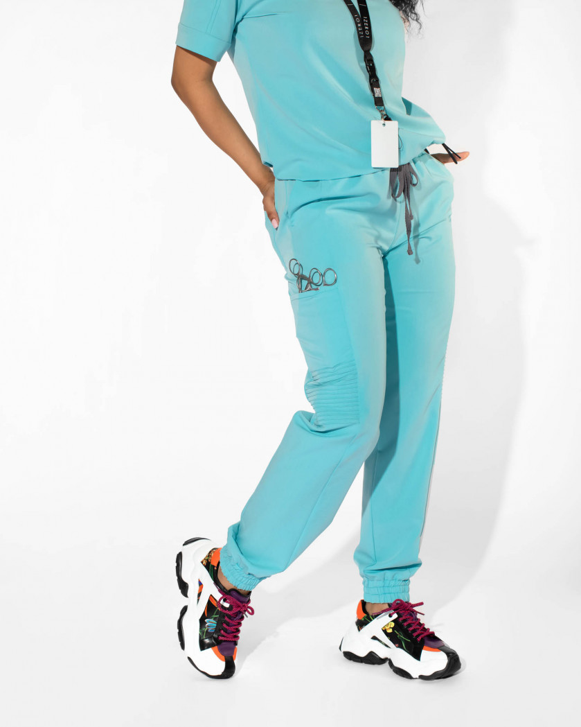 Pantaloni medicali din tesatura elastica cu buzunare