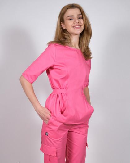 Bluza medicala roz cu cordon in talie si trei buzunare